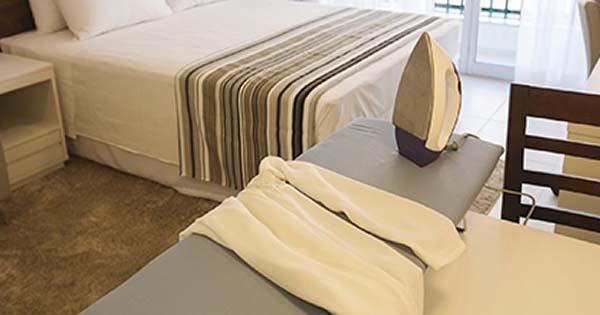 Ferro e Tábua de passar roupa, um diferencial para o seu hotel.
